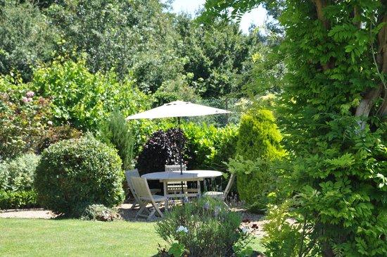 Apsley House Hotel: Garden