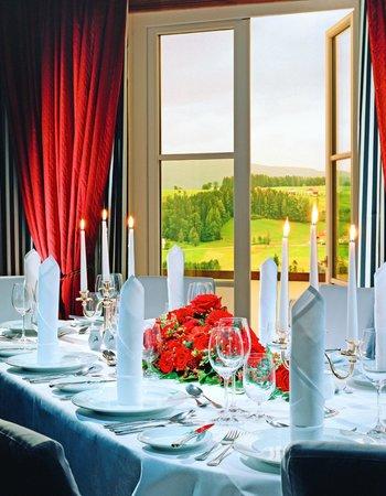 Sheraton Fuschlsee-Salzburg Hotel Jagdhof: Wedding