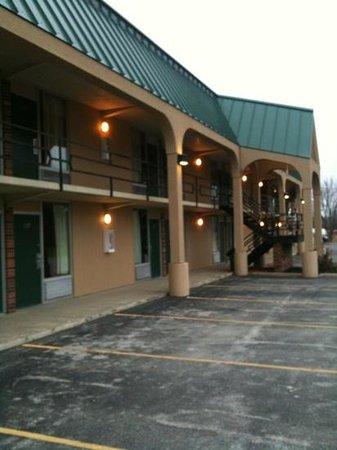 Mariann Travel Inn: outside