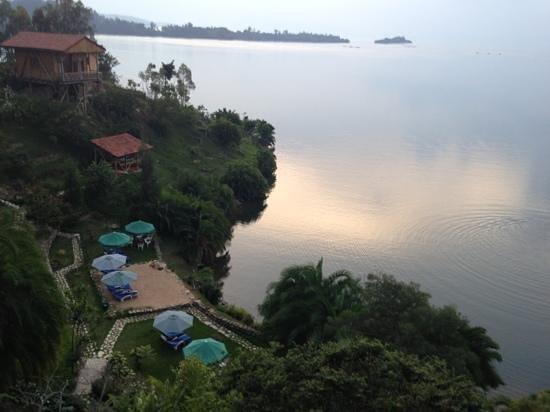 Lake Kivu: comoron lodge