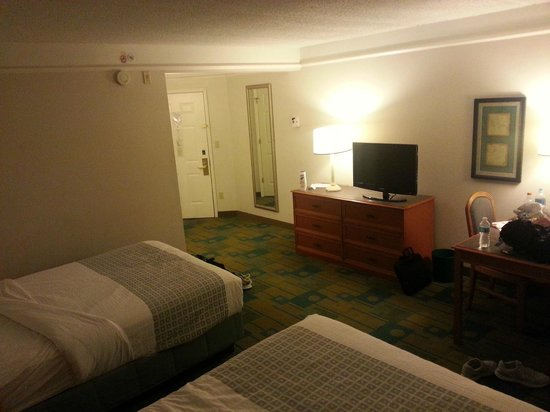 La Quinta Inn & Suites Tampa Brandon Regency Park: Room