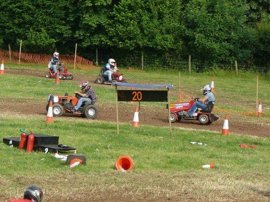 The New Inn: Mower race July
