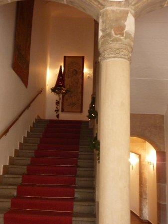 Deutscher Kaiser Nürnberg: лестница