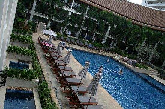 Deevana Patong Resort & Spa: uitzicht kamer
