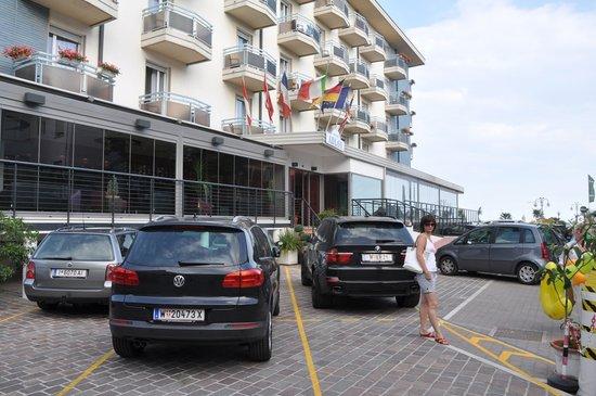 Hotel Adlon: Вид на отель!