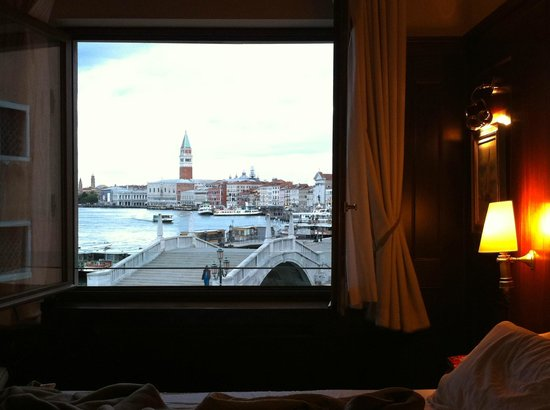 Hotel Bucintoro: zimmer-blick richtung markus-dom