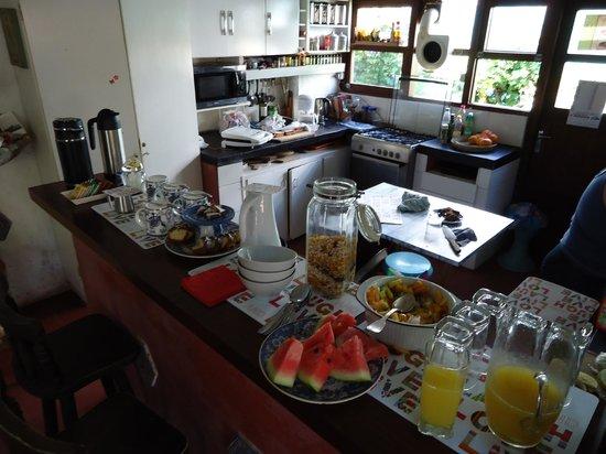 La Lomita del Chingolo B&B :                   Breakfast & Kitchen