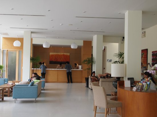 Centara Grand West Sands Resort & Villas Phuket: Lobby