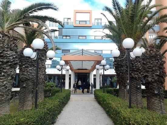 Dolmen Hotel Malta: Entrance