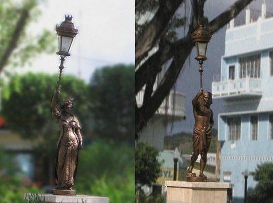 Plaza Colon: XIX Century bronze statues all around the square