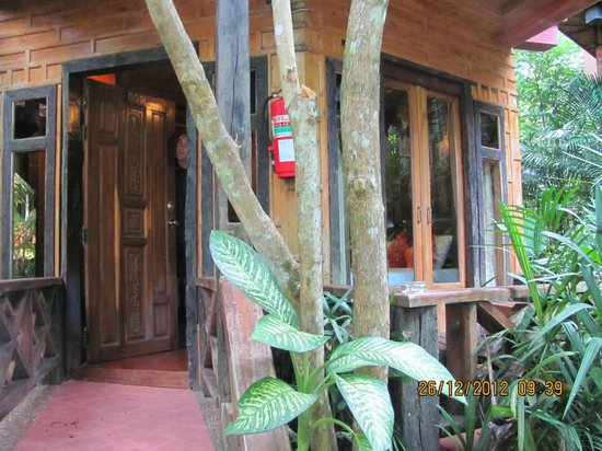 Phu Pha Ao Nang Resort and Spa: Our ground floor room