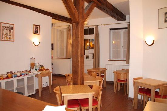 Hotel De L'Image : salle des petits déjeuners
