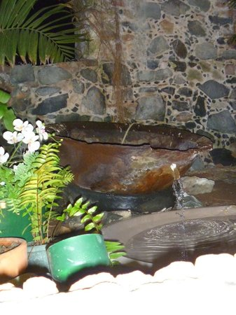 The Sugar Mill Restaurant: Water Fountain