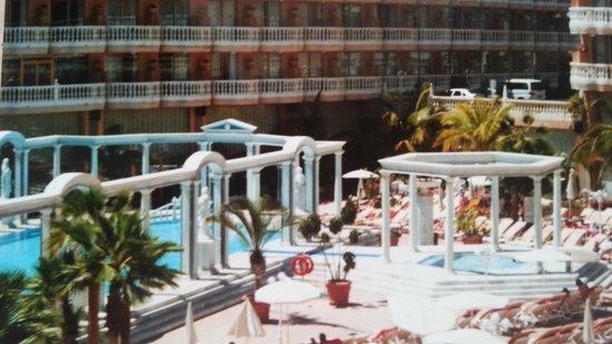 Cleopatra Palace Hotel: la piscina