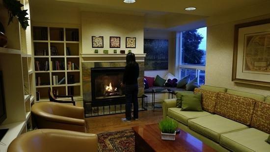 Fireplace in the breakfast room