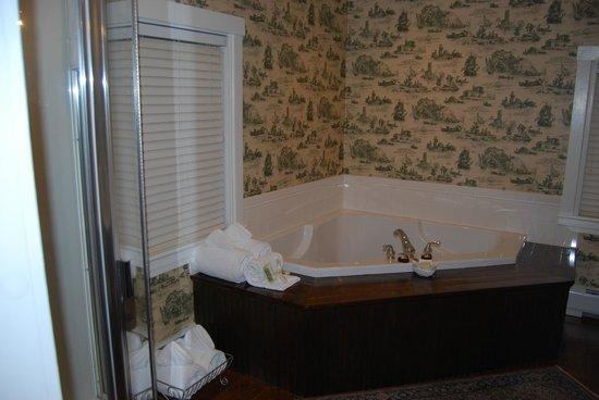 Captain's House Inn: notre salle de bain