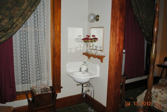 The Historic Occidental Hotel & Saloon and The Virginian Restaurant: This little sink is in the corner of the sitting room.