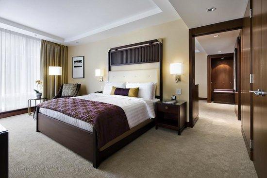 Shangri-La Hotel Toronto: Deluxe One Bedroom Suite