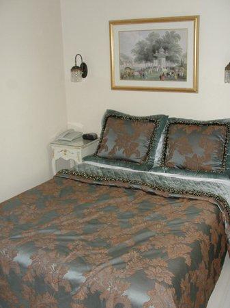 Celal Sultan Hotel: Quarto. Ótimos lençóis e roupa de cama.