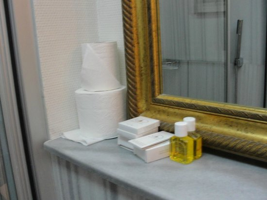 Celal Sultan Hotel: Banheiro