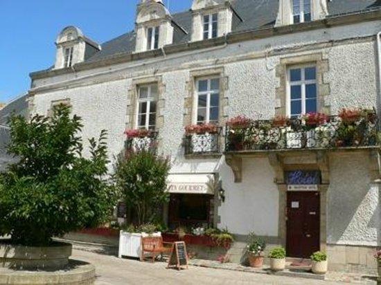Au Fin Gourmet Hôtel & Terrasse: Façade de l'hôtel restaurant