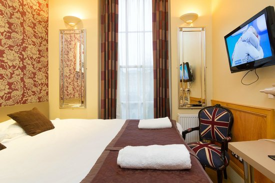 Excelsior Hotel London: Room