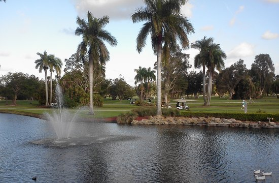 Hollywood Beach Golf Resort: Views overlooking the Course from Rudy's Pub & Restaurant