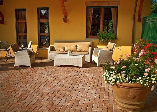 Agrihotel Roero: Courtyard