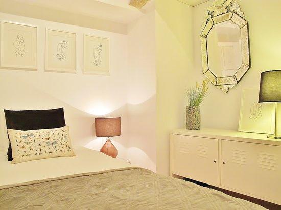 ZUZA Guest House : Cozy Suite - private bathroom