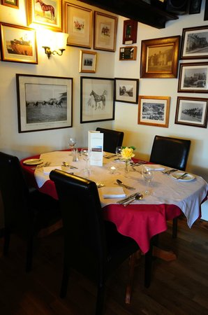 Countryman's Inn: A la carte diniing room