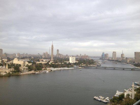 فور سيزونز القاهرة في نايل بلازا: Nile view from our room 