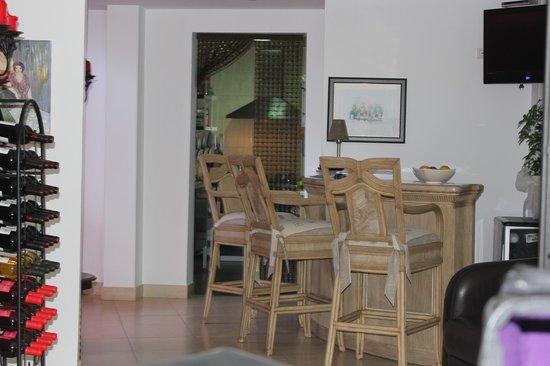 Hotel La Casa: Bar area