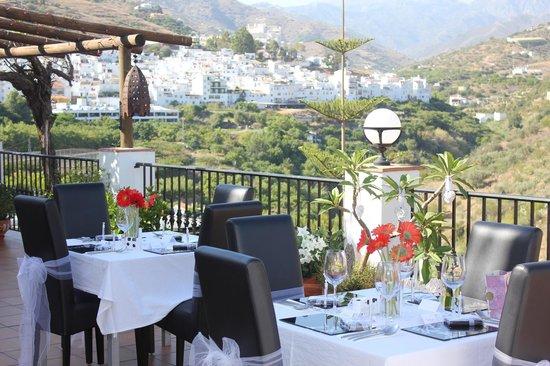 Hotel La Casa: terrace dining