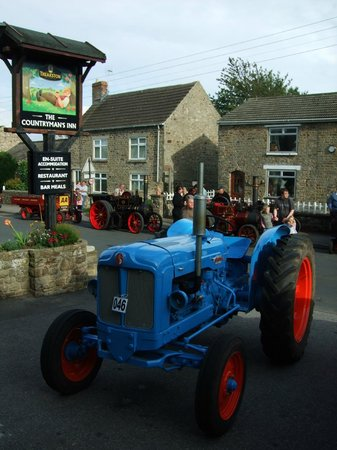 "Countryman's Inn : The reknown ""Annual Hunton Steam Gathering"" September"