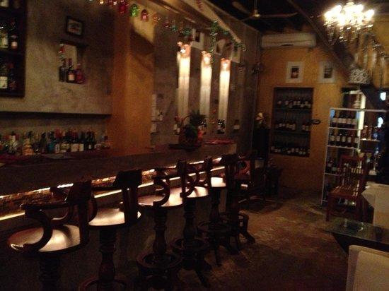 Boat Bar - Restaurant: Cocktail Bar