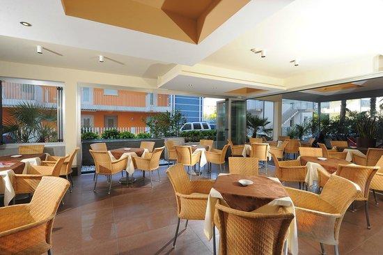 Hotel Lilia: Bar Terrace