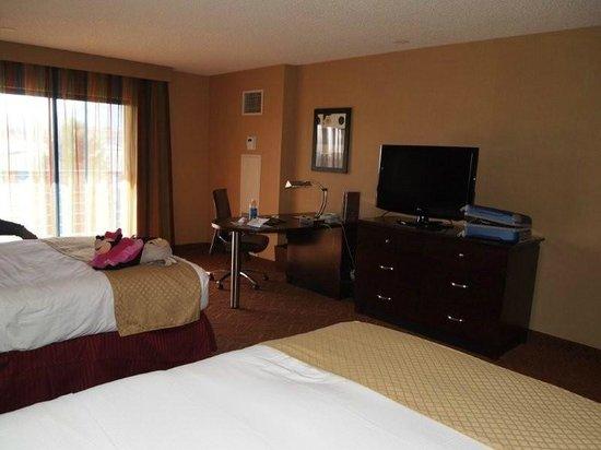 DoubleTree by Hilton Hotel Colorado Springs: Habitacion con dos camas dobles