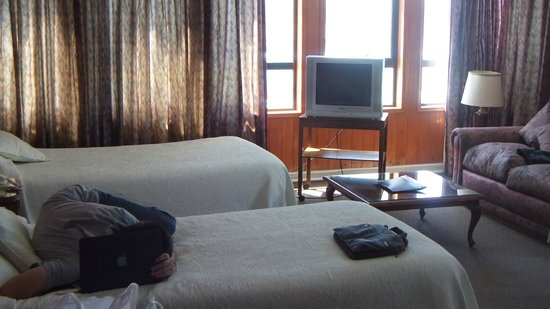 Apart Hotel Colon: Old World Charm, clean with comfort. Not the Shangri La but value on excellent staff is pricele