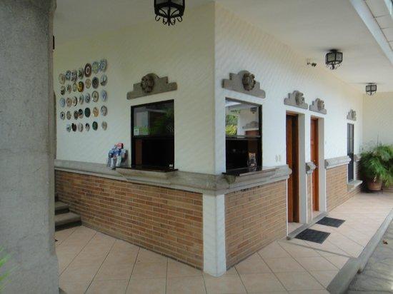 Hotel El Almendro Managua: Recepción