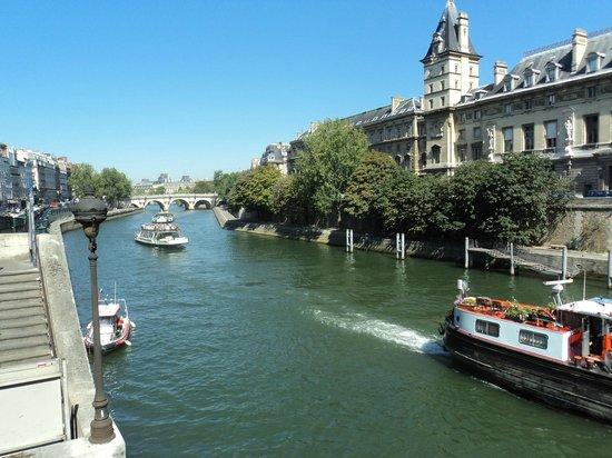 Île de la Cité : Vista da Ile:passeio pelo Sena