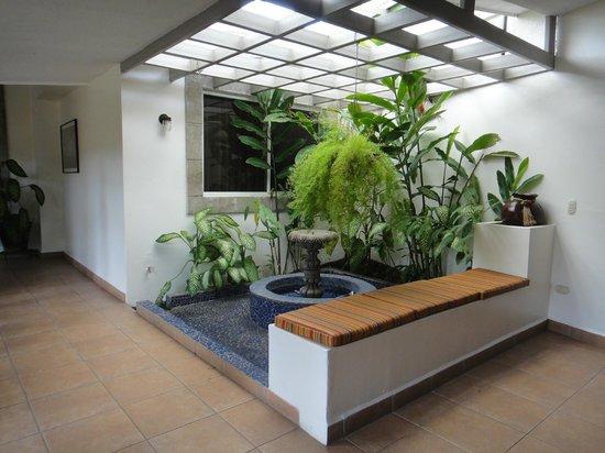 Hotel El Almendro Managua: Ambiente