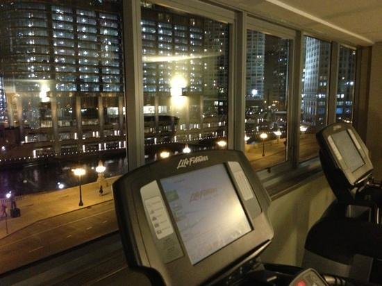 Wyndham Grand Chicago Riverfront: exercise room