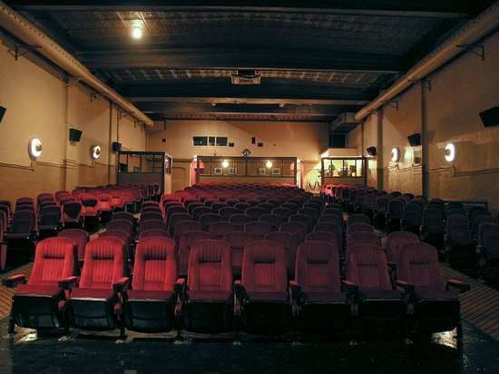 福克斯剧院
