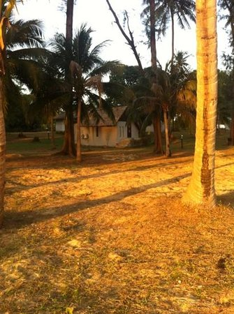 Kham Nature Resort Koh Mak: hutjes op het strand
