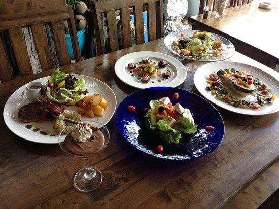 Koh Phangan Santorini Restaurant: ร้านอาหารเกาะพะงัน