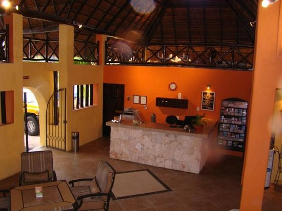 Hotel LunaSol: Réception