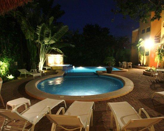 Hotel LunaSol: Piscine