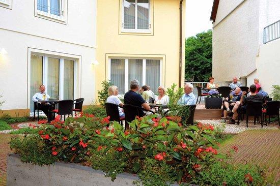 Flair Hotel Stadt Höxter: Hofgarten