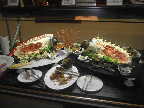 Delphin Palace Hotel: food