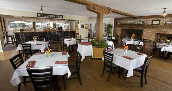Wachusett Village Inn: Cafe Bar